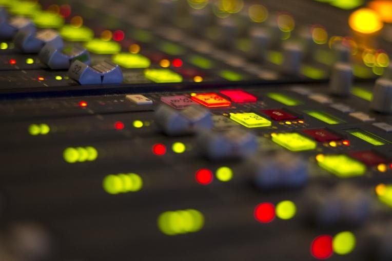 radio-1203736